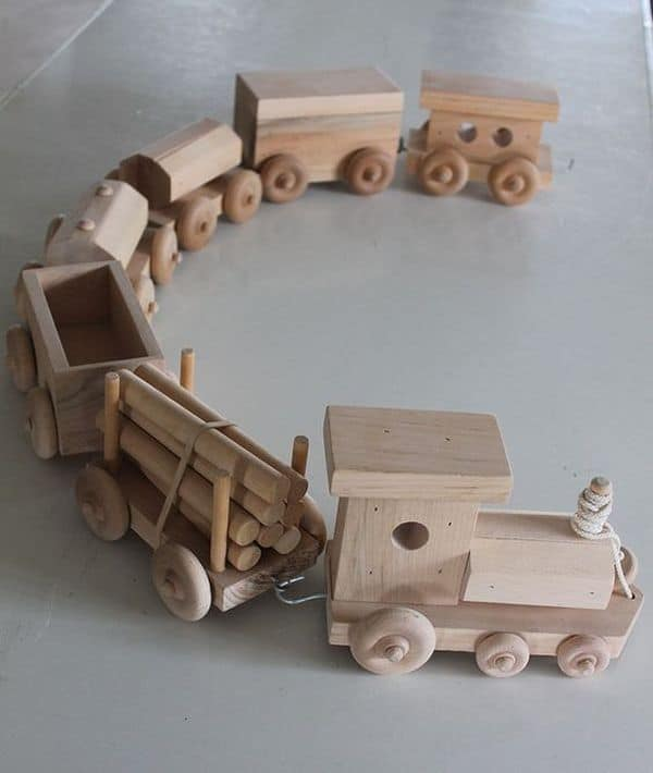 17 ideas on toys made of wood craft mybabydoo for Wood craft ideas for kids